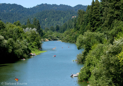 Russian_river_cleanup_boats
