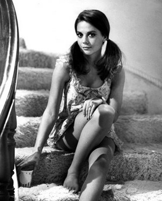 Black-and-White-natalie-wood-6839769-322-400