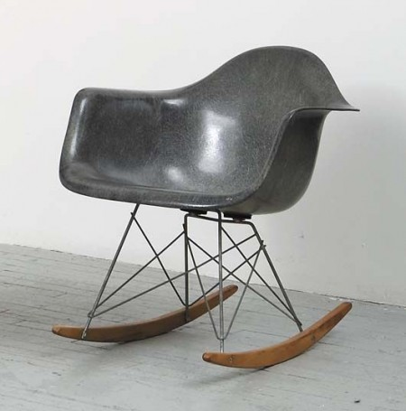 Eames_rar_rocking_chair_grey-450x455